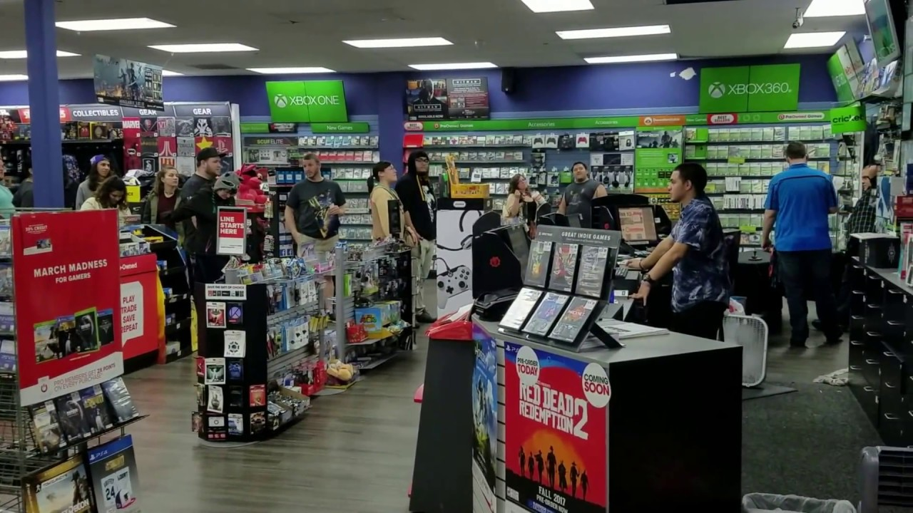 GAMESTOP NINTENDO SWITCH MIDNIGHT RELEASE 3-3-17 - YouTubeGamestop