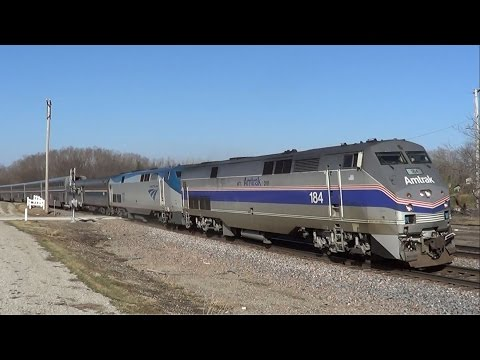 Thumbnail: Amtrak 184 Leads California Zephyr with Heritage Baggage Car