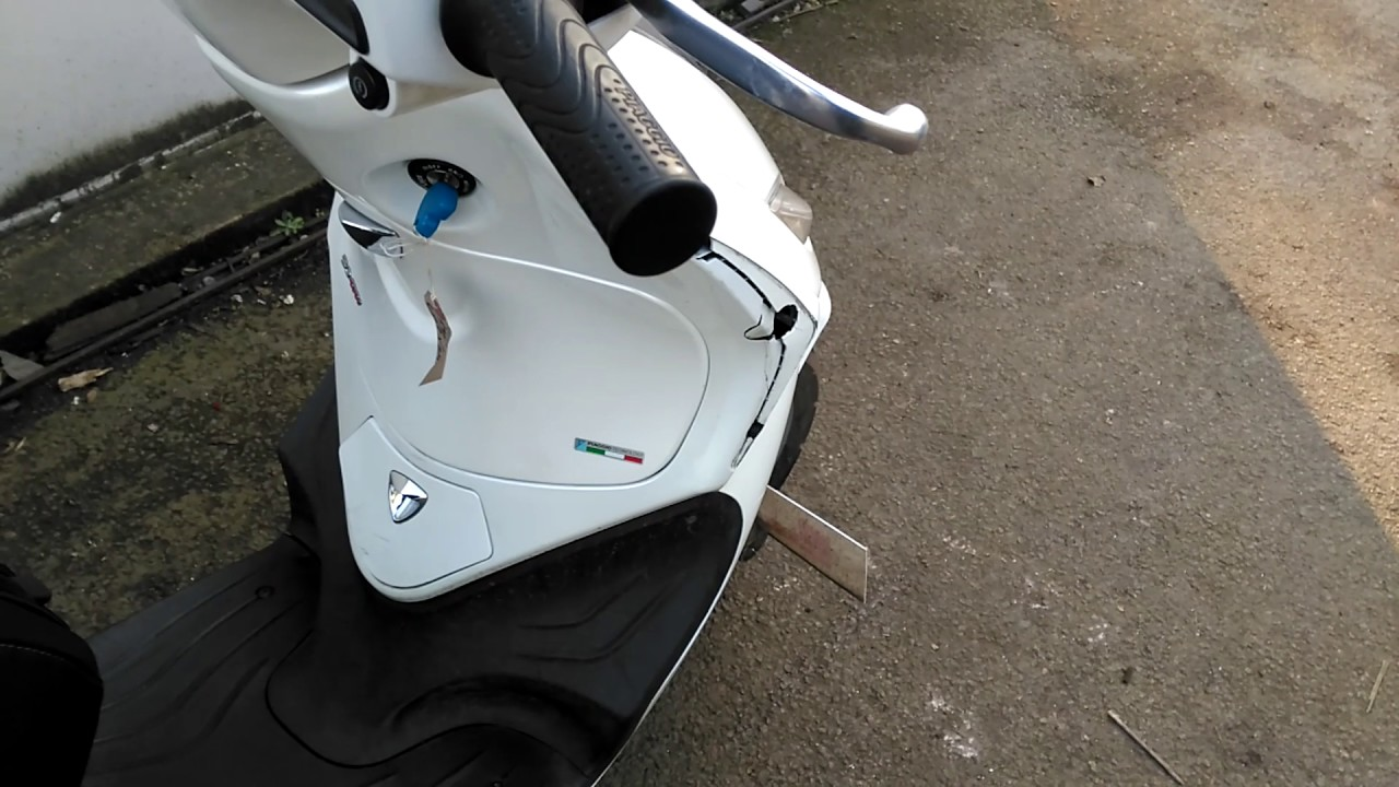 2013 piaggio fly 50 only 3 935 miles mot oct 39 2017 hpi clear just serviced youtube. Black Bedroom Furniture Sets. Home Design Ideas
