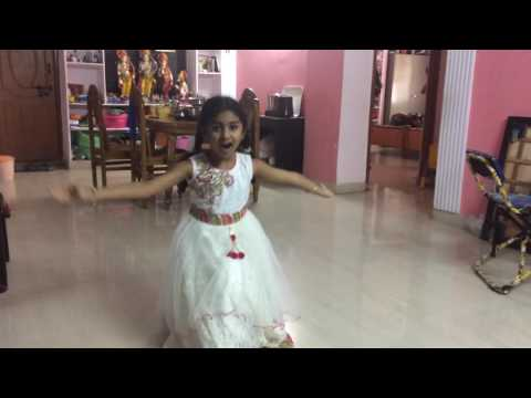 Sun sathiya mahiya song performence by maitreye