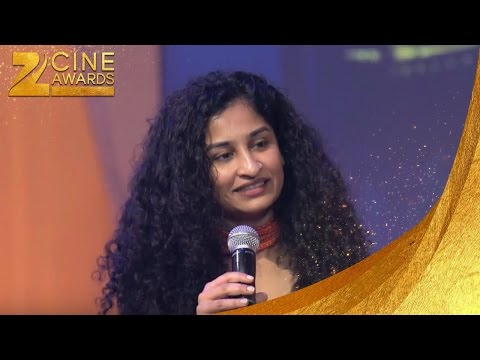 Zee Cine Awards 2013 Best Debut Director Gauri Shinde For English Vinglish