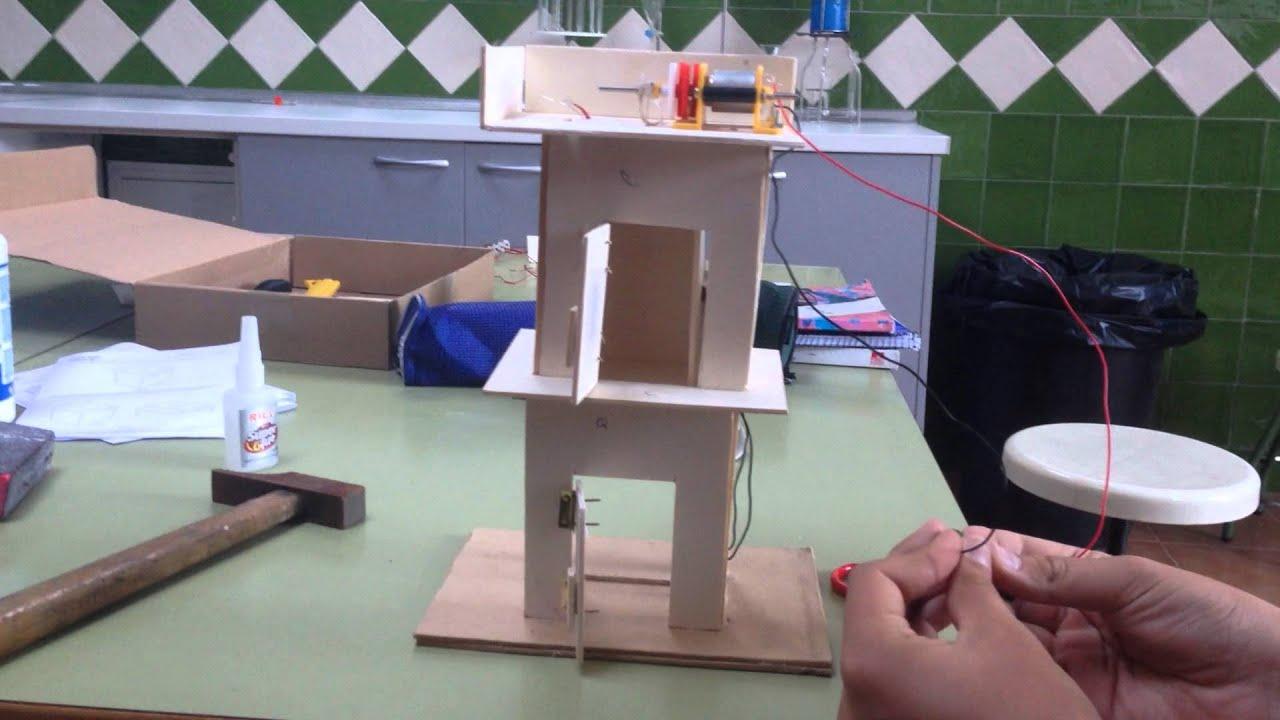 Proyecto de tecnolog a maqueta de un montacargas youtube - Fotos de proyectos ...