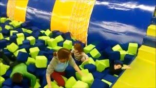 Детский развлекательный центр с батутами горками бассейном с кубикамиkid's intertainment cente