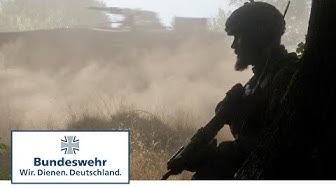 Operationsart Angriff – Panzergrenadiere der Bundeswehr stoßen vor