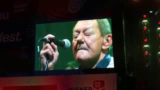 Wolfgang Ambros - Hoit do is a Spoit Live