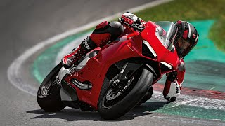 New Panigale V2: The Red Essence