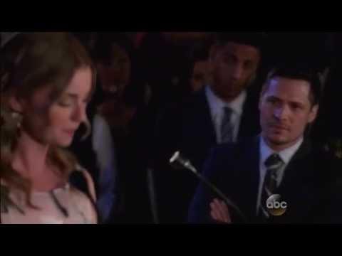 Revenge 4x18  - Emily Thorne reveals herself as Amanda Clarke to the world scene [HD]