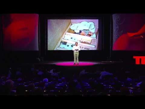 Mi casa está embrujada | Rogelio Umana | TEDxPuraVida