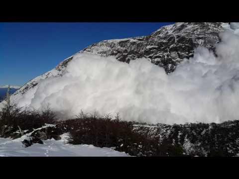 Si ves una avalancha, por muy lejos que te parezca que está, ¡corre!