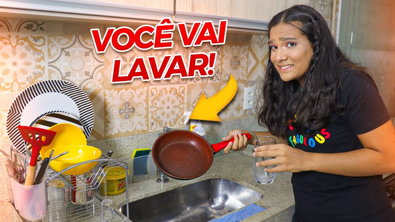 QUANDO MINHA MÃE ACABA DE LAVAR A LOUÇA! - JULIANA BALTAR #SHORTS