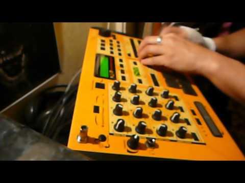 Hotelsinus - Sutter - live drumandbass test on my EMU Command Station