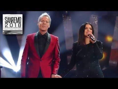 Sanremo 2018 - Il magico duetto di Claudio Baglioni e Laura Pausini