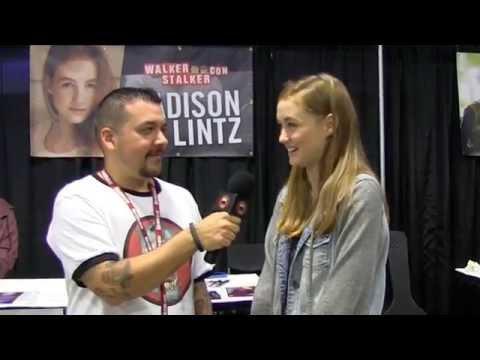 Madison Lintz   Sophia from The Walking Dead  Walker Stalker Con Atlanta 2014