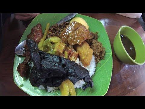 Indonesia Makassar Street Food 1965 Part.1 Mixed Rice  Nasi Campur Losari 99 YDXJ0370
