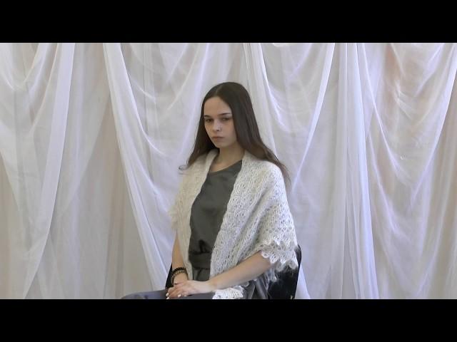 Изображение предпросмотра прочтения – УльянаСоловьёва читает произведение «Мне нравится, что Вы больны не мной...» М.И.Цветаевой
