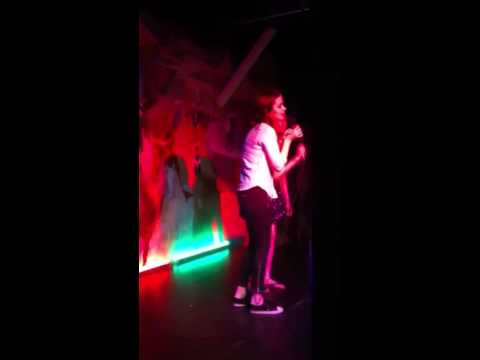 Emily Blunt and Alison Brie karaoke clip