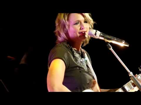 Livin on tulsa time- Miranda Lambert