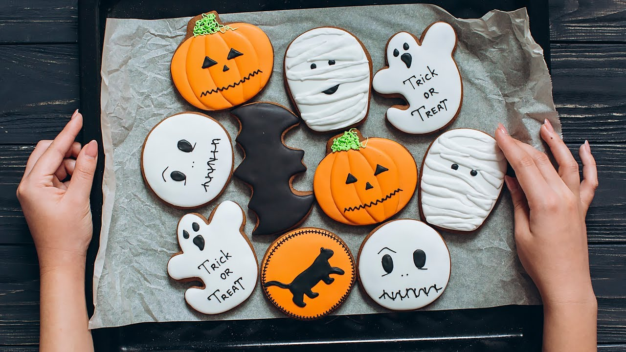 Cool Halloween Treats You'll Want to Try    Ideas For Halloween Party