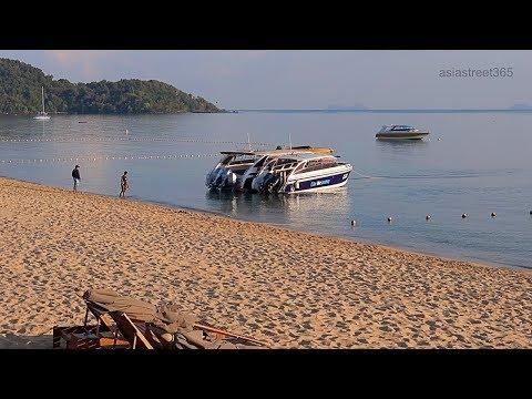 Bophut Beach Walk: Bandara To Fishermans Village