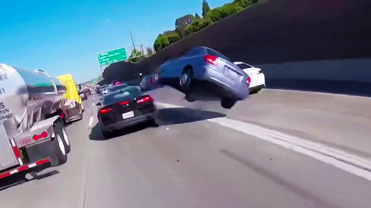 Craziest Car Crash Compilation - Best of Driving Fails [USA, CANADA, UK & MORE]
