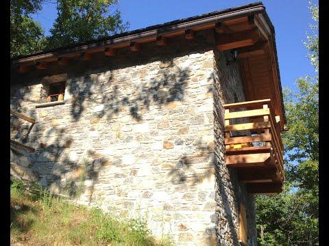Lehmhaus einfach bauen mit Lehm, Holz und Stroh