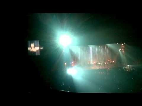Laura Pausini - Con La Musica Alla Radio  02.02.2014 Brussels (forest national - vorst nationaal)