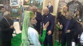 Жириновский танцует лезгинку