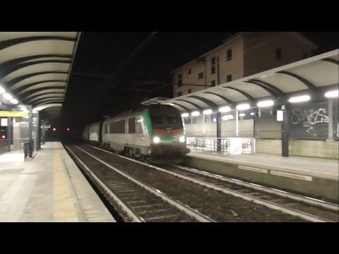 IT#55 - Treni in transito nella stazione di Pioltello-Limito di notte - 30/12/16