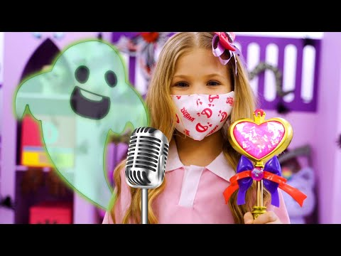 Diana and Roma - Play It Be It Halloween Kids Song