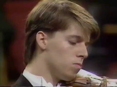 FLASHBACK FRIDAY | Violinist Joshua Bell – BBC Proms Debut, 20-Years-Old [1990]