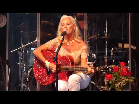 Lorrie Morgan - Love Will Keep Us Alive