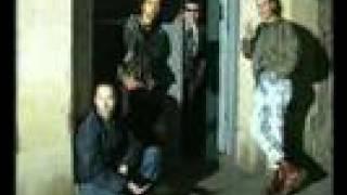 Suburban Rebels: Gotic Bootboys. Videoclip, 1997.