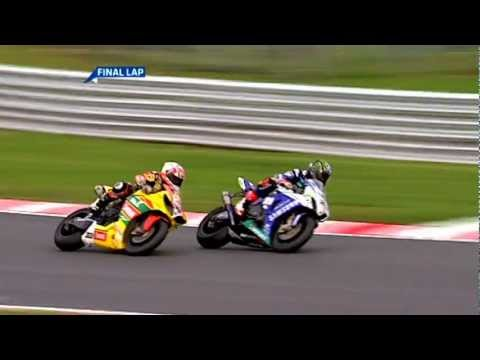 British Superbike 2011 Last Lap - Tommy Hill vs. John Hopkins (+ Post Race Interview)