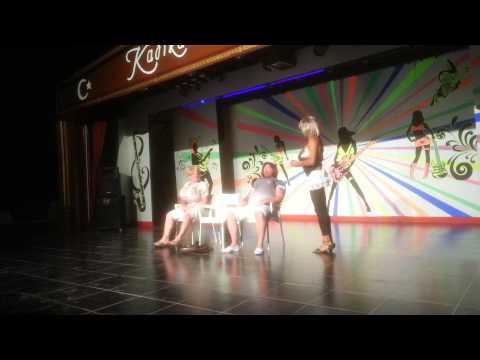 Kadikale Resort, animation, Dress like a woman