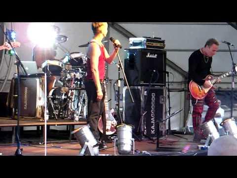 Kajagoogoo - Too Shy live at Aylesbury