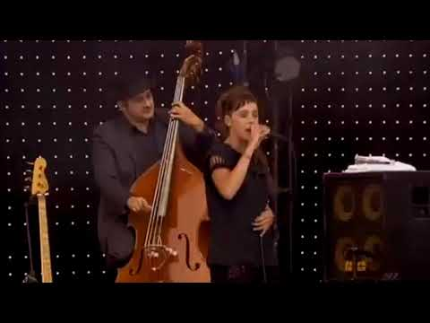 ZAZ @ FRANCOFOLIES LA ROCHELLE 2011- Documentaire HD Remasterisé
