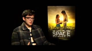 Mr. Will Chats with ASA BUTTERFIELD on THE SPACE BETWEEN US