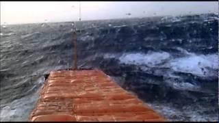 работа в море(судно в шторме идет Северным морским путем., 2012-04-01T22:18:48.000Z)