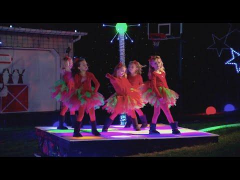 Dance Party Barlett Family Light Show - The Great Christmas Light Fight