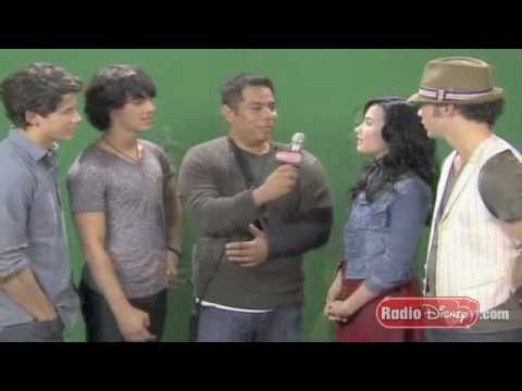 "Demi Lovato & Jonas Brothers Behind The Scenes Camp Rock 2 ""It's On"""