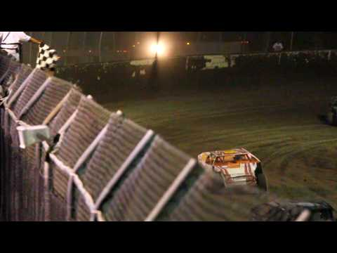 Final Lap of the Modified Feature at Kankakee County Speedway.