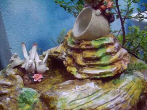 Peque a fuente de agua feng shui interior y jardines youtube for Fuente agua feng shui