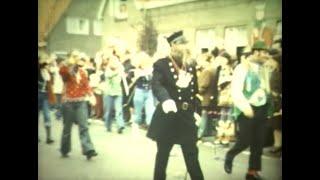 Carnavalsoptocht Helmond - Heistraat (Jaartal onbekend)