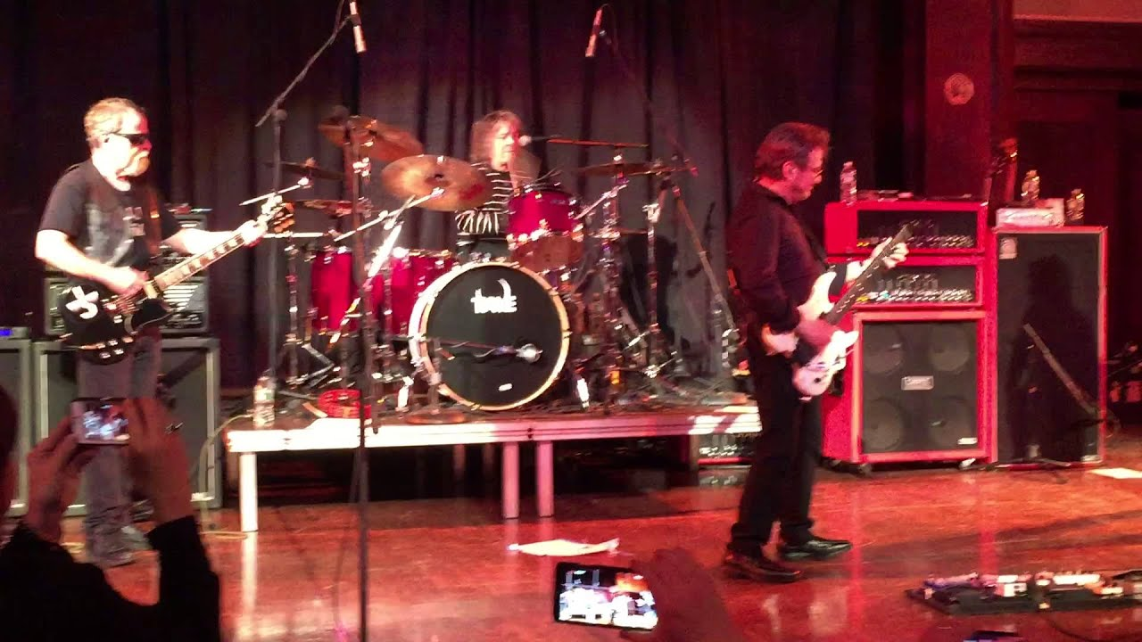 Blue Oyster Cult Cities on Flame With Rock and Roll NYC ...