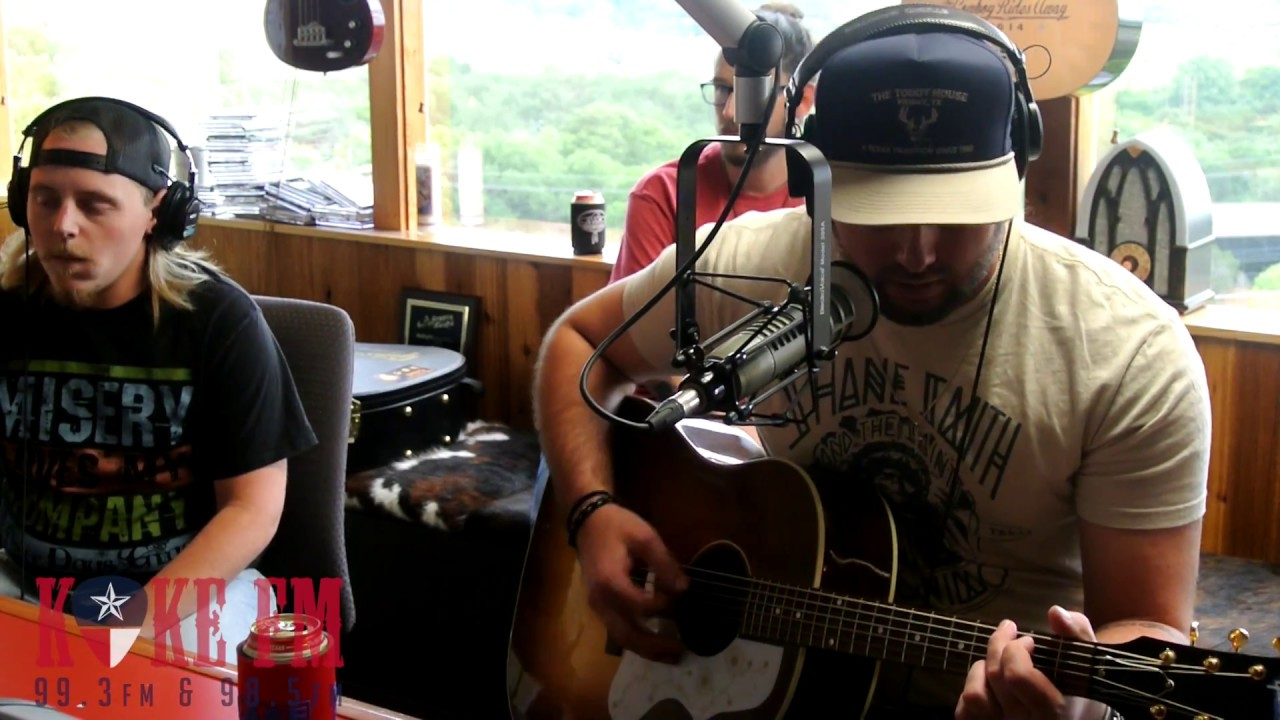 Koe Wetzel sings a song so new   it doesn't have a name yet!!