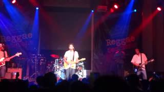 "Natiruts "" Groove Bom "" en vivo HD (Lima Perú 2013)"