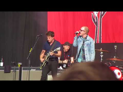 Fire That Burns Ft. Two Door Cinema Club - Circa Waves - Reading Festival 2017