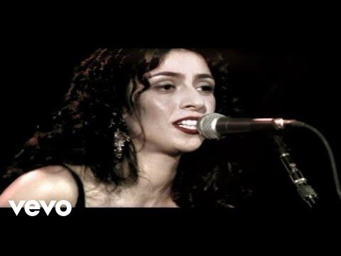 Music video by Marisa Monte performing Não Vá Embora. © 2005 Monte Criação E Produção Ltda