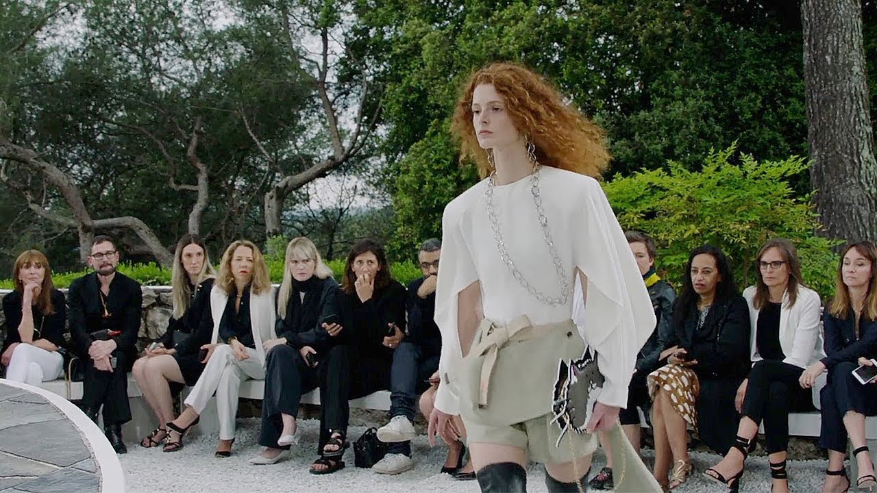 Louis Vuitton is Showing Its 2019 Cruise Collection in Our Dream Vacation Destination Louis Vuitton is Showing Its 2019 Cruise Collection in Our Dream Vacation Destination new images