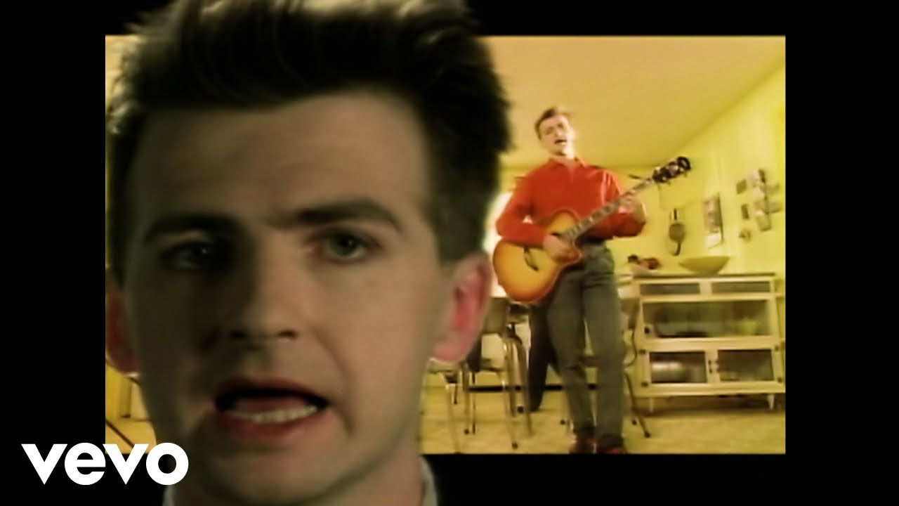 Crowded House - Don't Dream It's Over (Official Music Video)